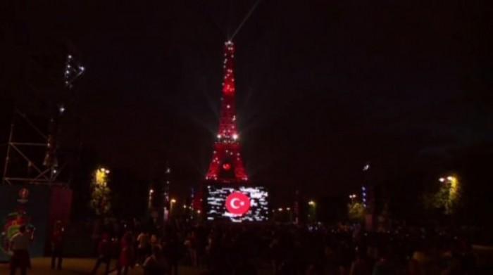 Avrupa futbol şampiyonası 2016 France Fransa Eiffel Tower Eyfel Kulesi Türk Bayrağı Turkish 2.jpeg