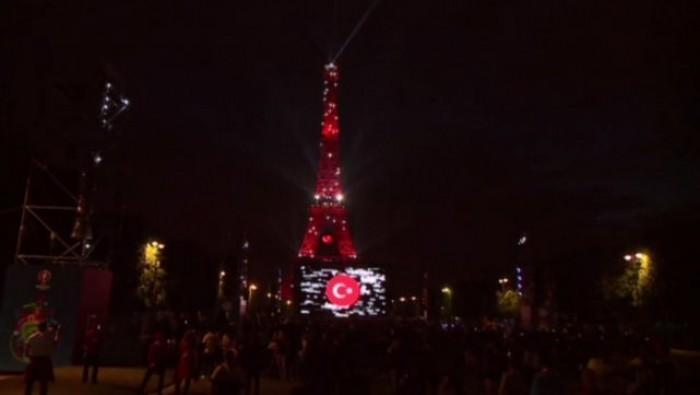 Avrupa futbol şampiyonası 2016 France Fransa Eiffel Tower Eyfel Kulesi Türk Bayrağı Turkish  4.jpeg