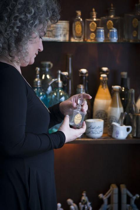 Aybala hanım ve Yenal Yentürk Vintage Osmalı dönemi ve TC ilk dönemi Vintage Parfüm kole...jpg