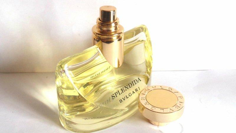 Bvlgari-Splendida-Iris-D'or-Eau-de-Parfum-Spray-for-Women-Review-Cap-Open.jpg
