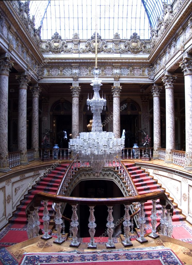 depositphotos_20896753-stock-photo-staircase-with-chandelier-dolmabahce-palace.jpg