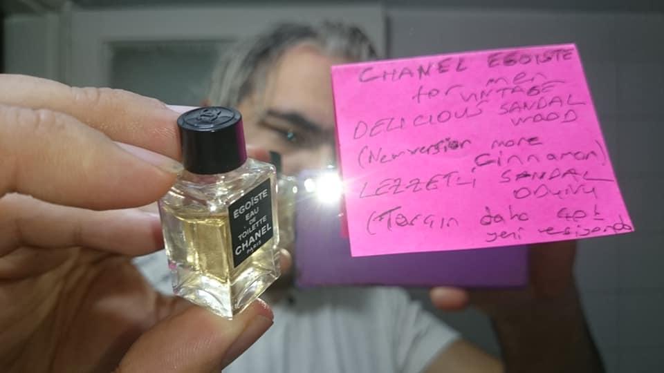 Egoiste Chanel for men baykalbul mini vintage şişe üstten kapakda amblem.jpg