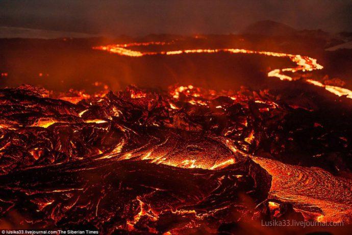 gold-_-molten_lava-_mountain_brown-2-e1461651551457.jpg