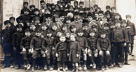 Kazım Karabekir Paşa Atatürk Kurtuluş Savaşı ve öncesi sonrası Çocuk askerler çocuk...Jpeg