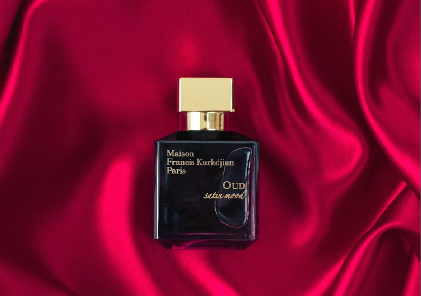 Oud Satin Mood Maison Francis Kurkdjian for women and men ipek kumaş üzerinde.jpg